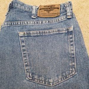 Wrangler 36 relaxed fix denim shorts